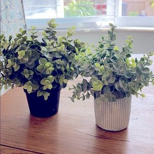 Set of 2 artificial greenery EUC